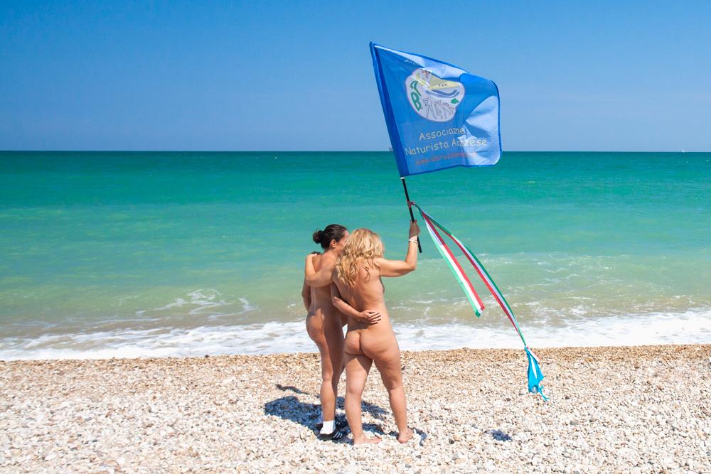 Prima spiaggia d'Abruzzo per naturisti – Solo aspetti positivi
