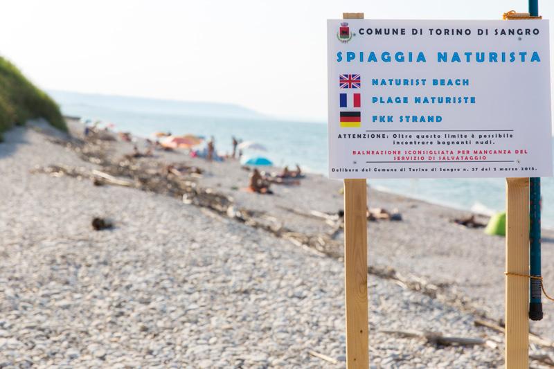 cartello le morge spiaggia naturista